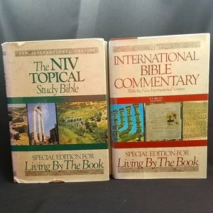 2 BIBLES - SPECIAL EDITION FOR LIVING BY THE BOOK